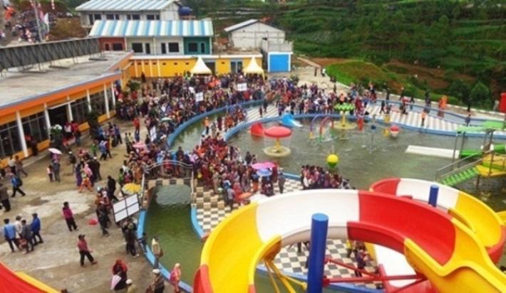 Dieng dan Pesona D'Qiano Hotspring Waterpark